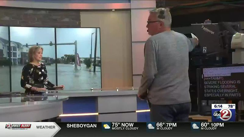 Pat Gellin floor-directs anchor Tammy Elliott during Action 2 News This Morning