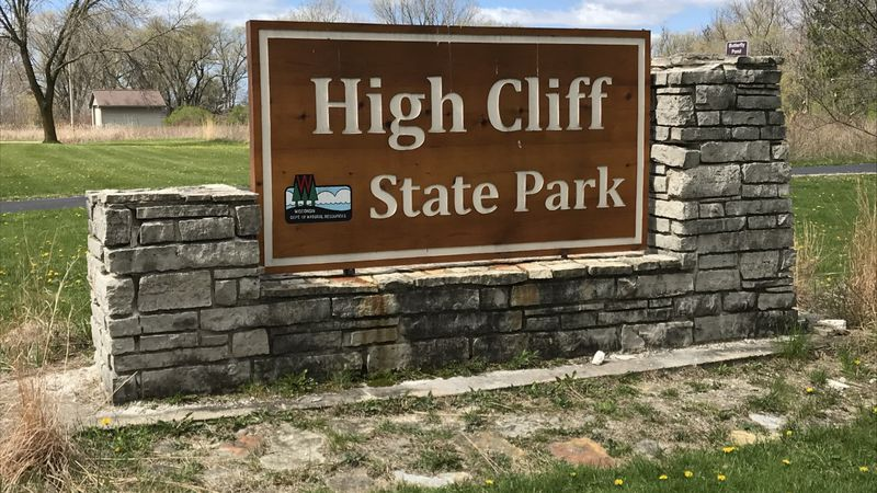 High Cliff State Park sign.