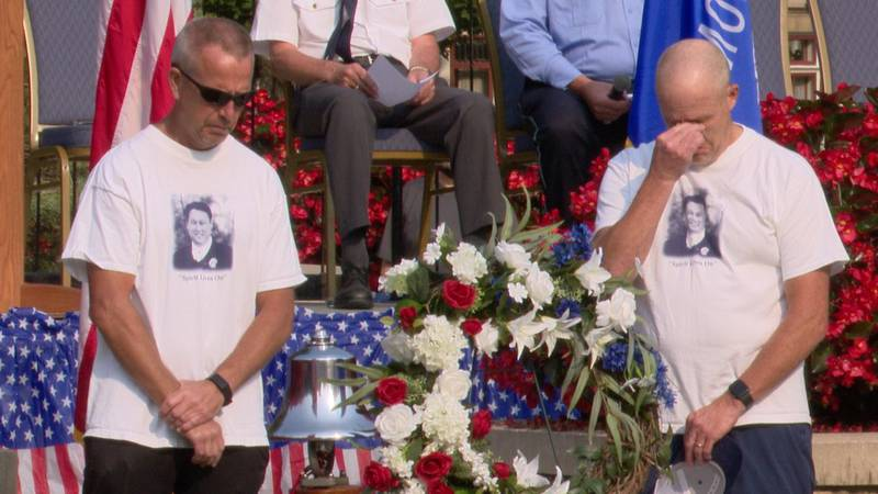Emotional 9/11 ceremony in Appleton honoring victims and first responders