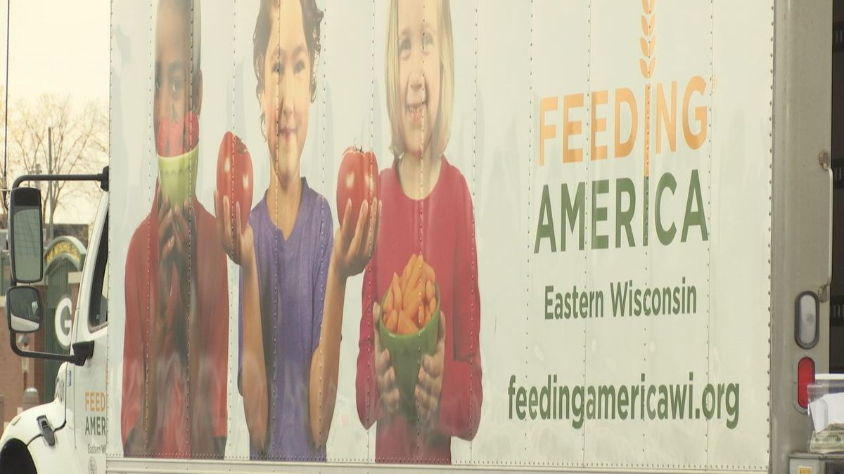Feeding America Eastern Wisconsin held a food drive Saturday in both the Fox Valley and Green Bay.