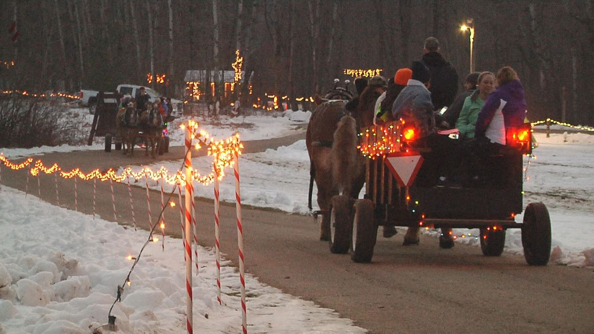 Camp Sinawa Christmas 2020 Thousands attend annual Christmas at Sinawa fundraiser in
