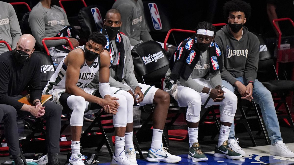 Milwaukee Bucks forward Giannis Antetokounmpo (34) watches from the bench during the fourth...