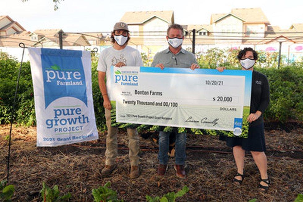 Dallas urban farm receives grant to increase access to locally grown produce.