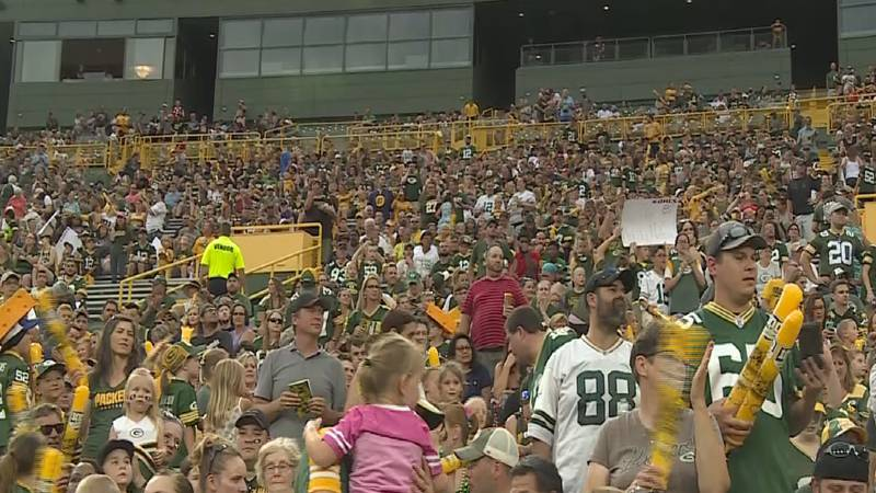 Packers Family Night crowd (file)