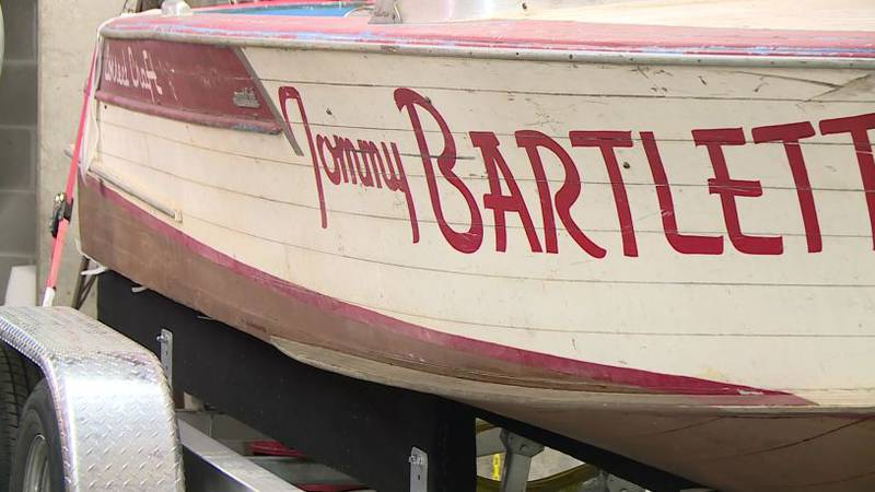 The Tommy Bartlett Show boat.