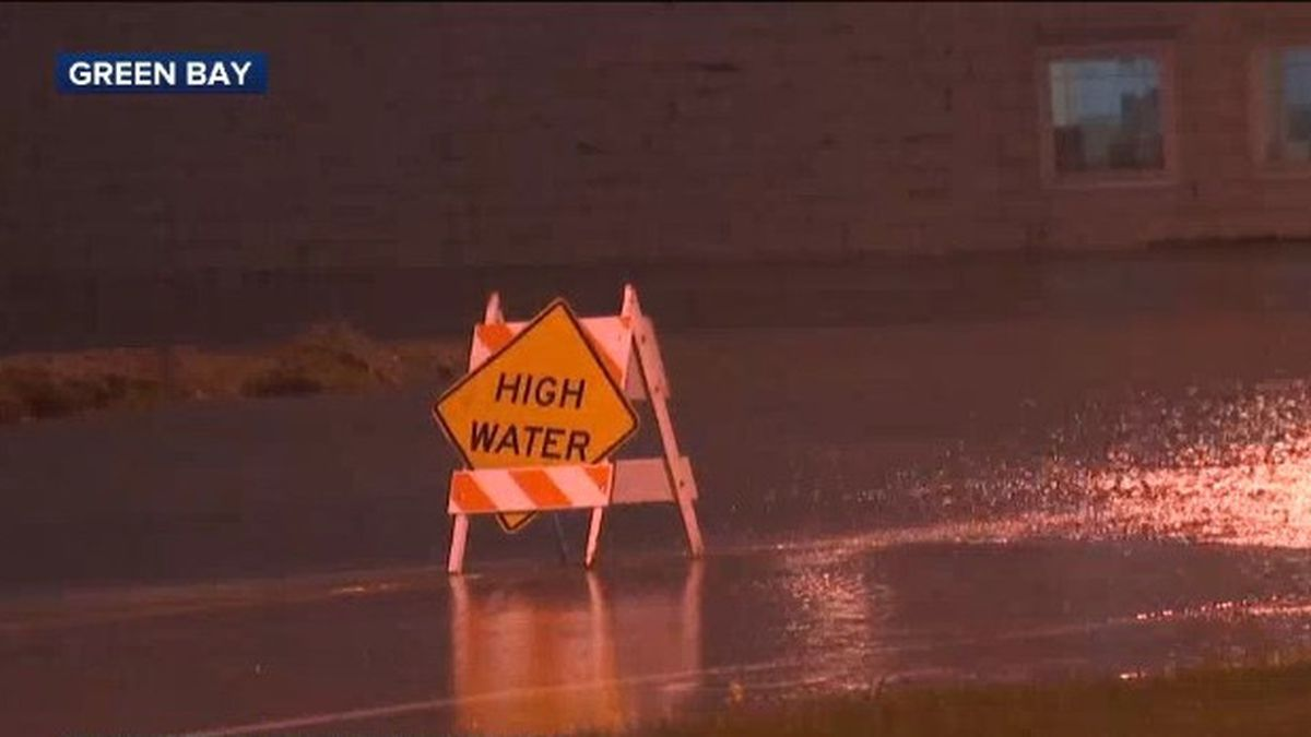Street flooding in Green Bay. May 18, 2020. (WBAY Photo)