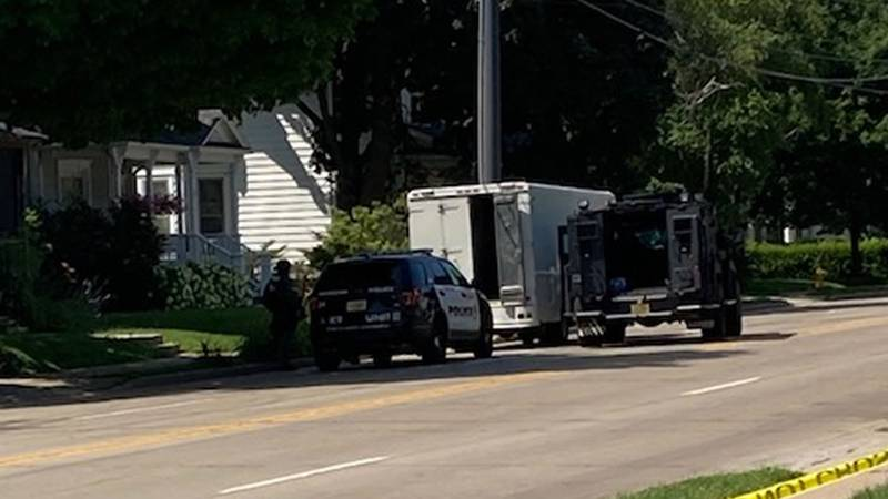 SWAT team responds to the 800-block of Jackson St. in Oshkosh in the search for a wanted man...