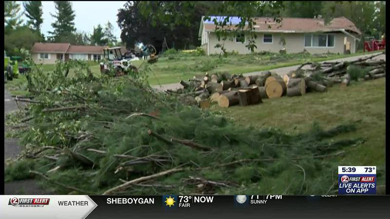 Severe Weather Outbreak - 10 tornadoes touch down across southern Wisconsin Thursday morning