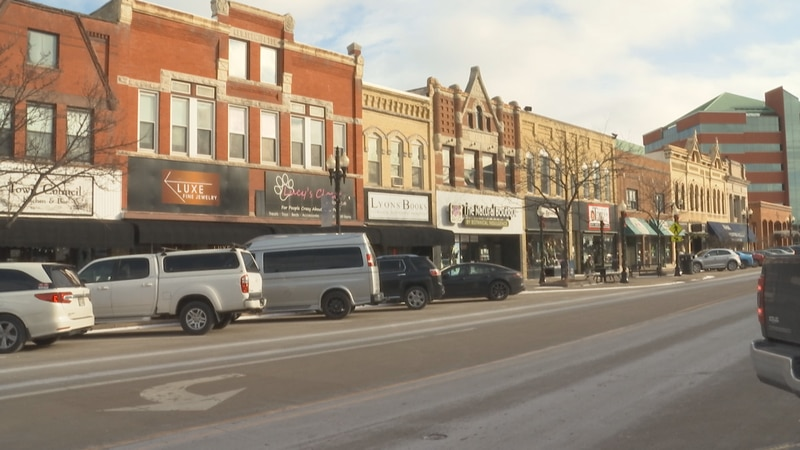 Neenah shop owners reflect on holiday sales during pandemic