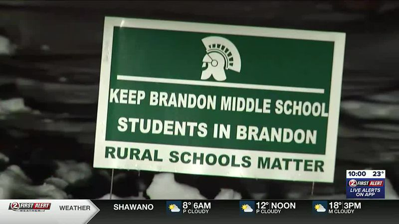 Parents voice concerns regarding closing of middle school in Rosendale-Brandon School District