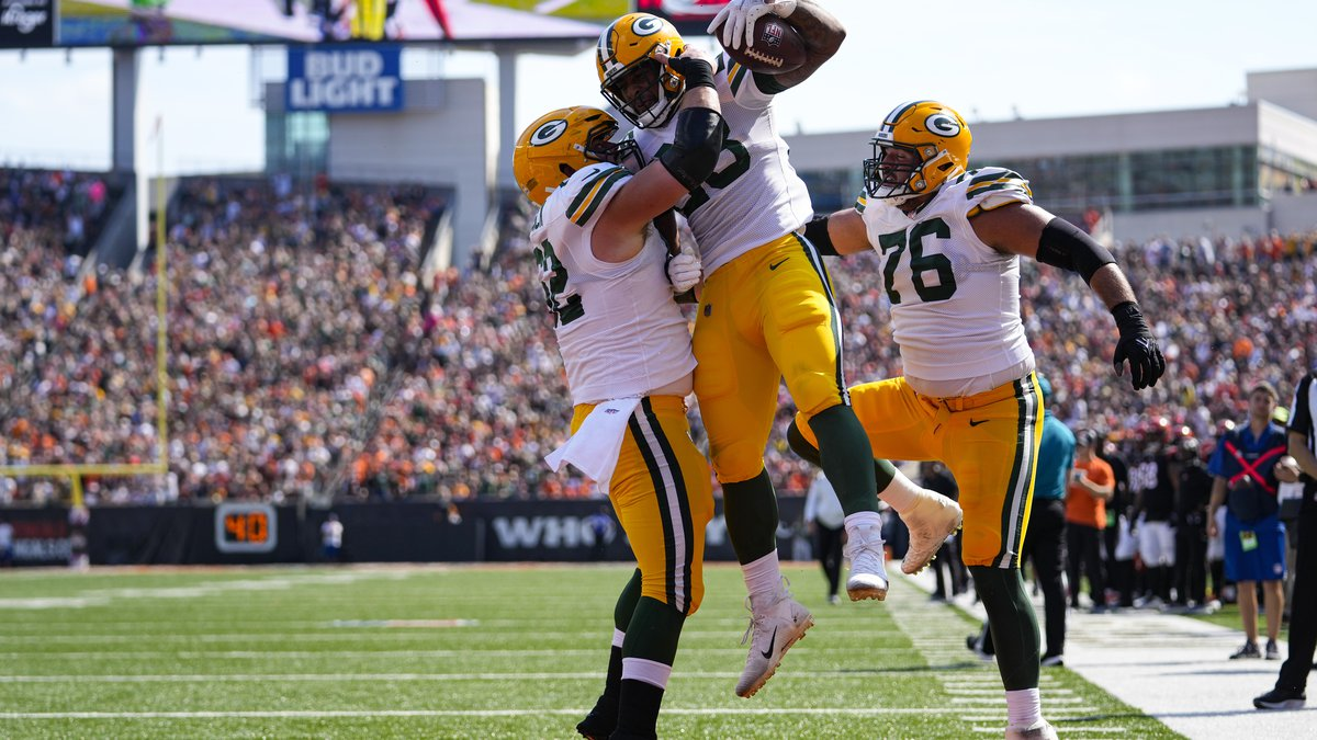 LIVE GAME BLOG: Packers and Bengals tied at 22 , game enters OT