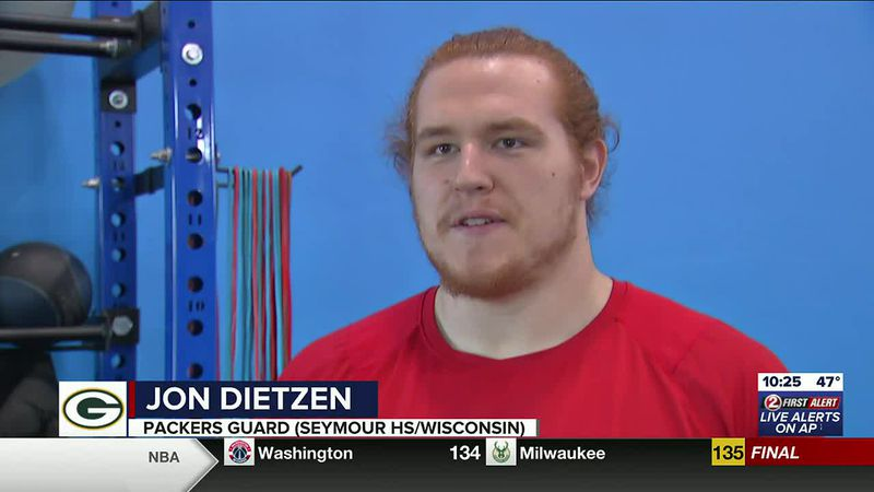 Seymour's Dietzen signs with Packers to chase NFL dream