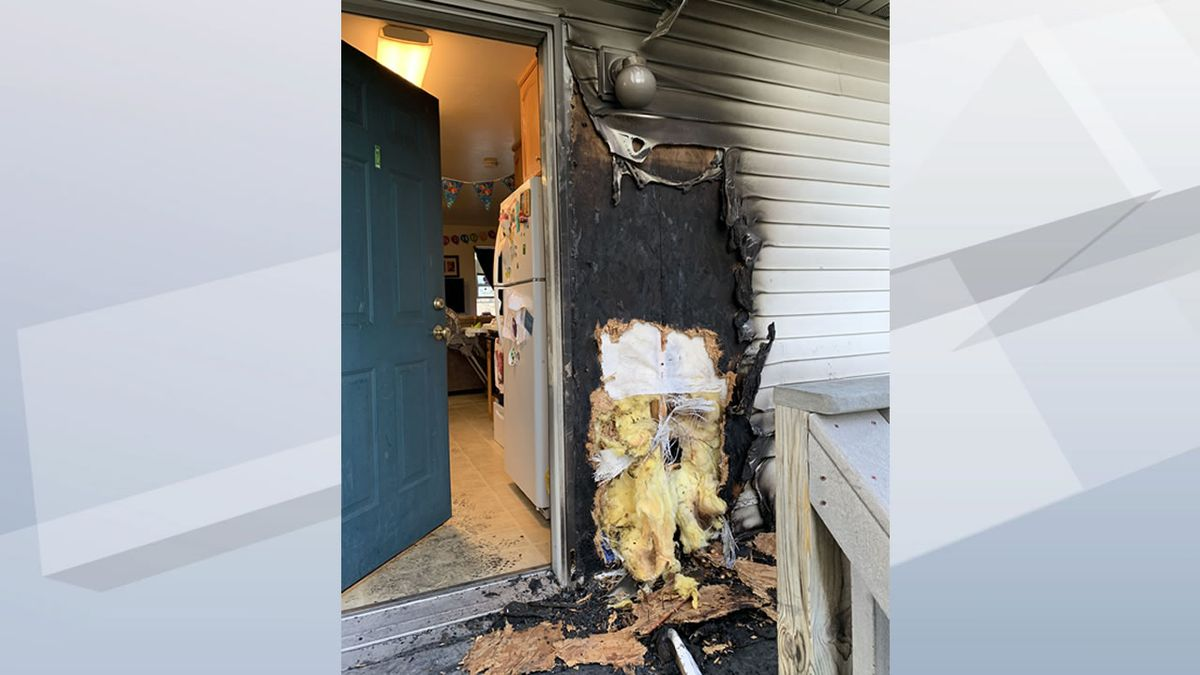 Fire damaged the exterior of a duplex on Elm St. in De Pere on May 7, 2020 (Photo: De Pere Fire Rescue).