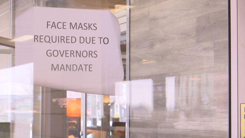 A restaurant in Green Bay, Wisconsin requiring masks.