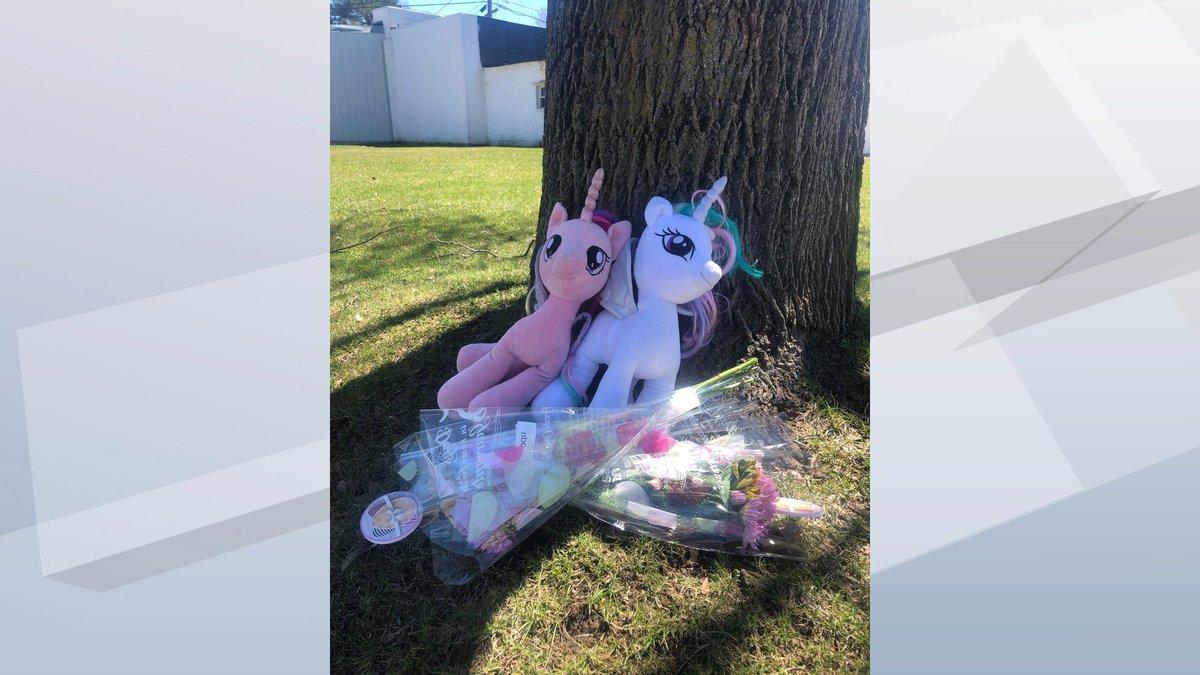 Makeshift memorial set up for little girls found dead in Seymour. (WBAY Photo)