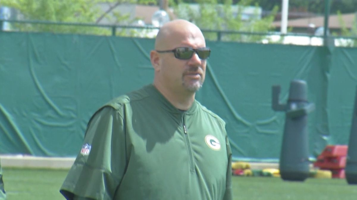 Green Bay Packers defensive coordinator Mike Pettine