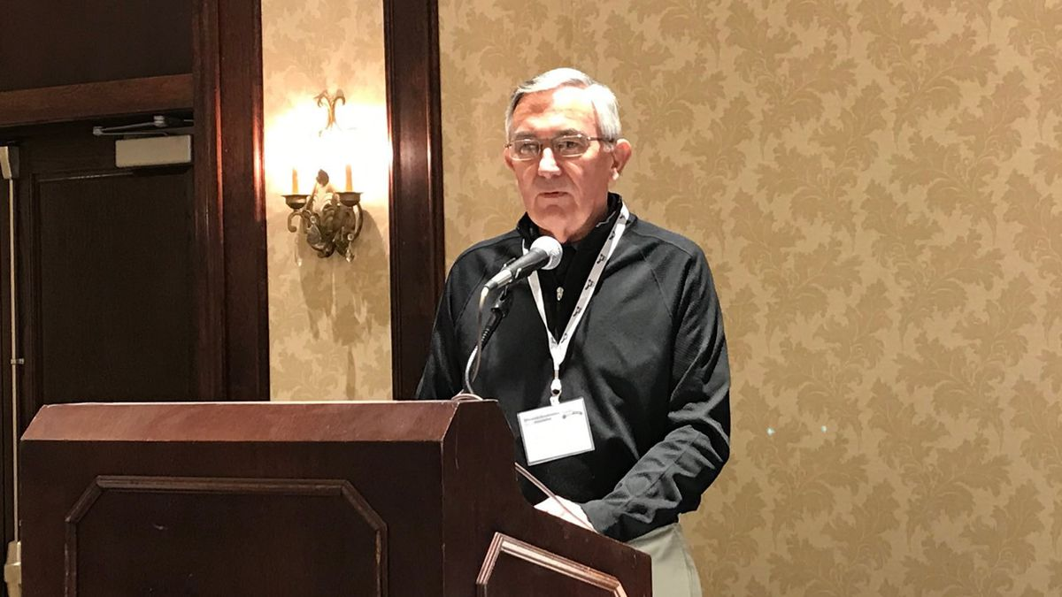 Jerry Burke, recognized as a Wisconsin Broadcasters Association Local Broadcast legend, speaks at the WBA summer conference (WBAY photo)