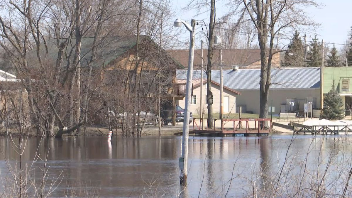 Flooding on the Wolf River in late April, 2018 (WBAY photo)