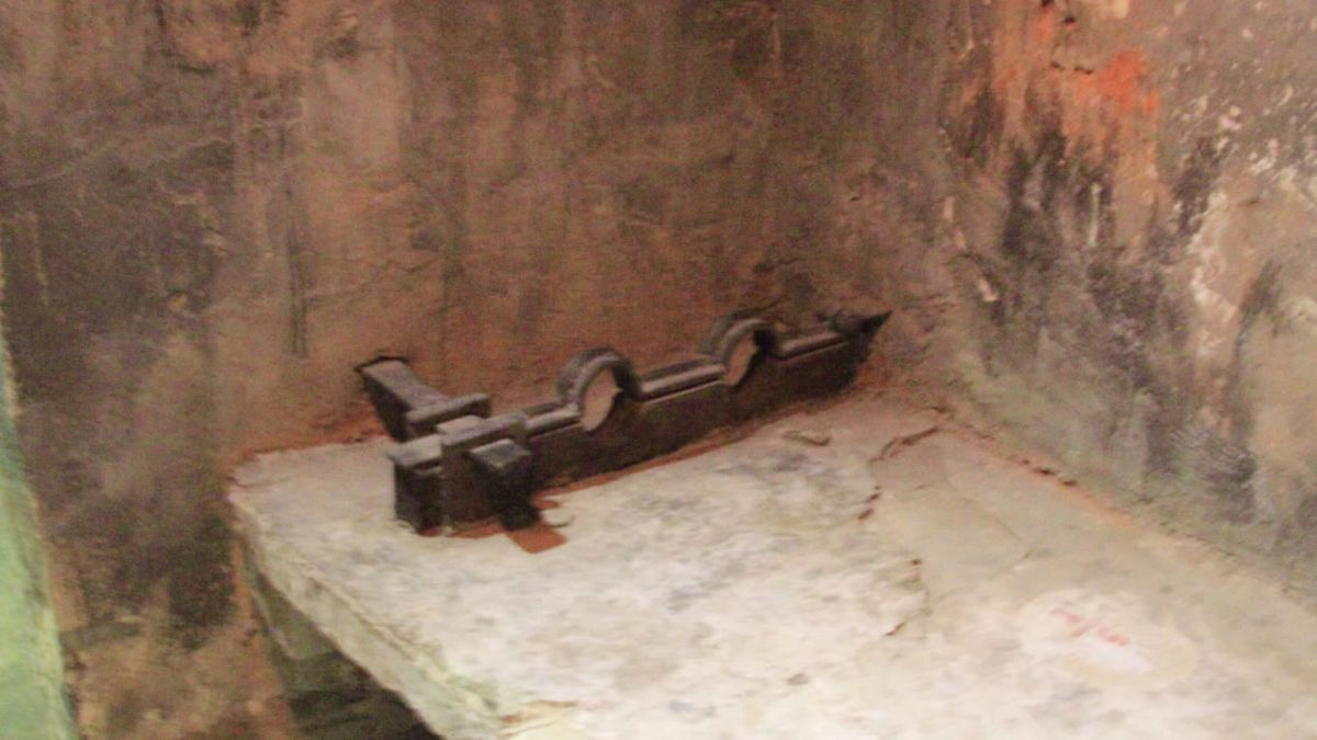 Some prisoners at Hoa Lo in Hanoi, Vietnam, slept shackled on elevated concrete beds (WBAY photo)