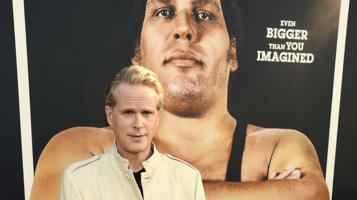 "Cary Elwes, who acted alongside the late professional wrestler Andre the Giant in the 1987 film ""The Princess Bride,"" poses at the premiere of the HBO documentary film ""Andre the Giant"" on Thursday, March 29, 2018, in Los Angeles. (Photo by Chris Pizzello/Invision/AP)"