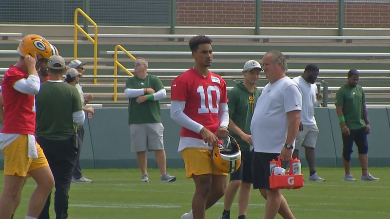 Jordan Love appears but does not participate in Packers practice Monday due to a minor shoulder...