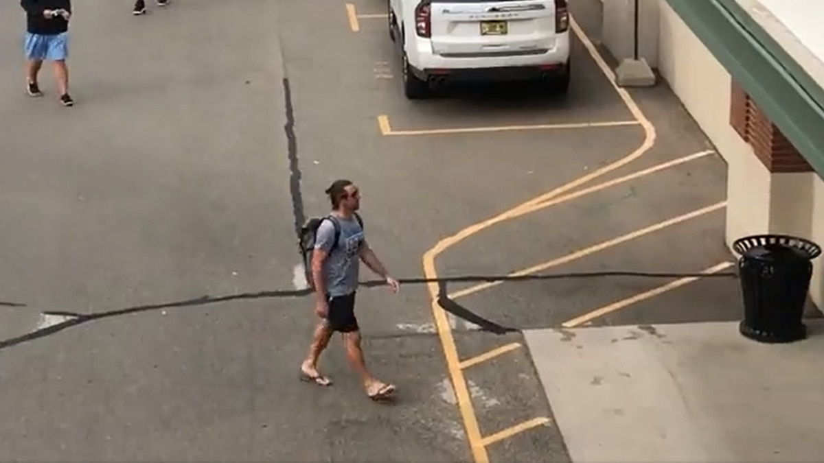 Video of Packers quarterback Aaron Rodgers arriving to Lambeau Field on the eve of Training Camp.