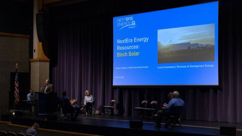 NextEra Energy Resources, a Florida-based developer, gave a presentation on Wednesday night in...
