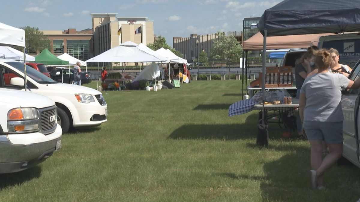 Broadway Farmer's Market moves to Leicht Park.